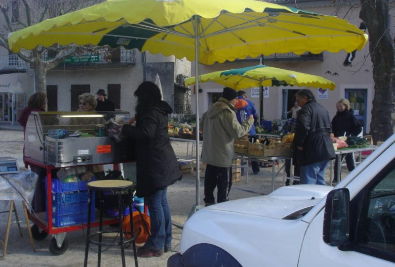 Weekly market à Rémuzat - 0