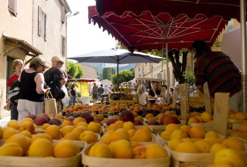 Marché de Montbrun les Bains à Montbrun-les-Bains - 0