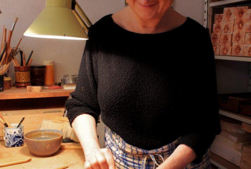 Les santons bleus de Véronique Dornier à Brantes - 2